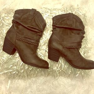 SO Authentic American Heritage Gray Boots 8.5M